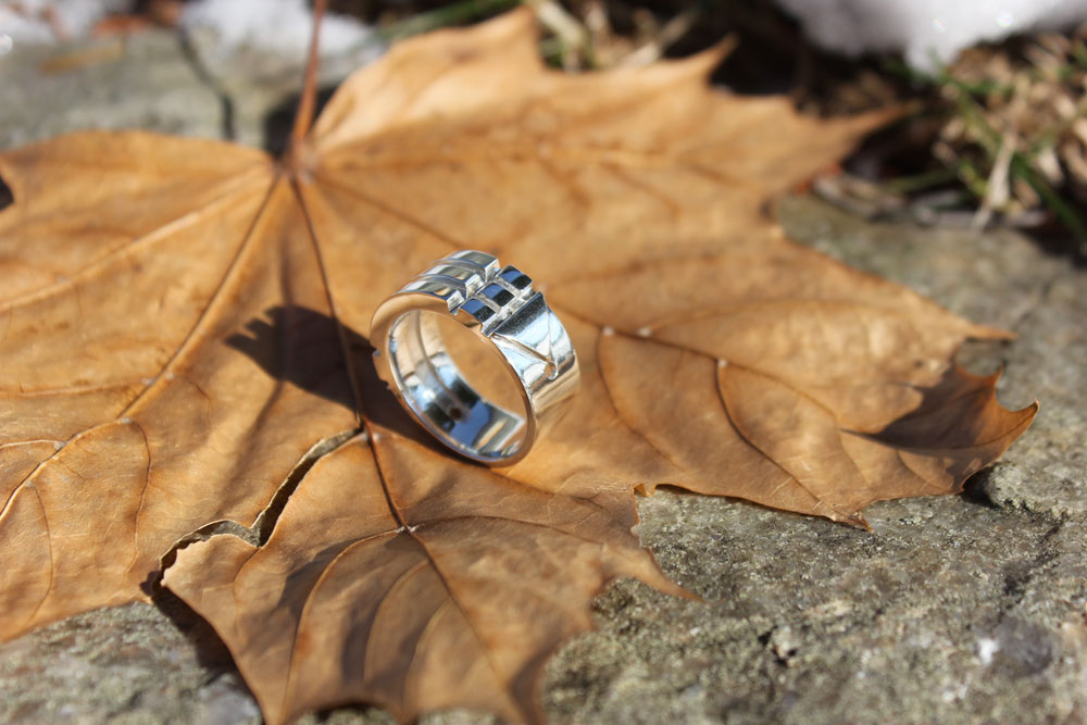 Atlantis Ring on Leaf