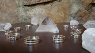 Atlantis rings around pyramid