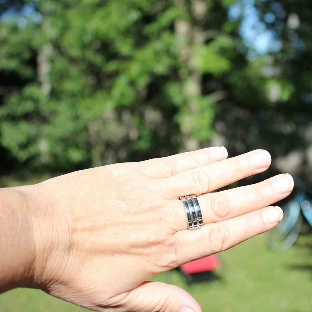 Titanium Atlantis Ring on hand