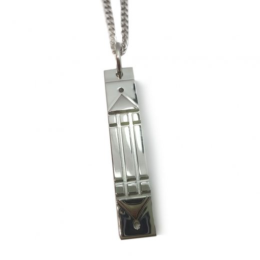 Atlantis Pendant Titanium in Curb chain